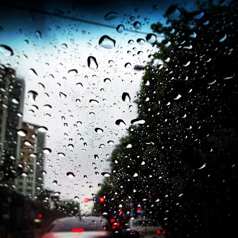 A poem by Tricia McCallum April 2, 2020. A rainy day in traffic.